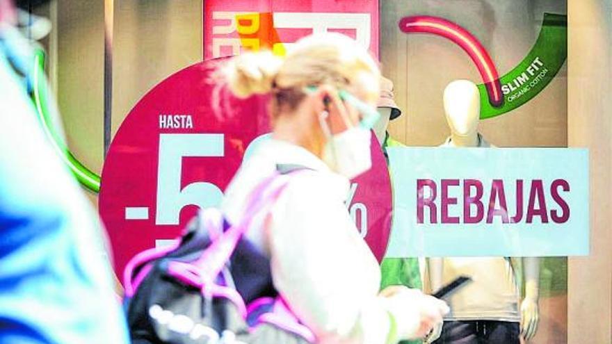 La caída del consumo frena las buenas expectativas de las rebajas en Canarias