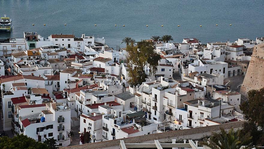 Investigan la celebración de peleas de gallos en Ibiza