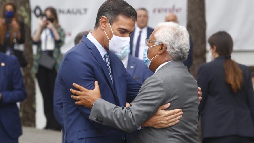 """Sánchez en el Foro La Toja: """"Hay desafíos que requieren acuerdos de Estado"""""""