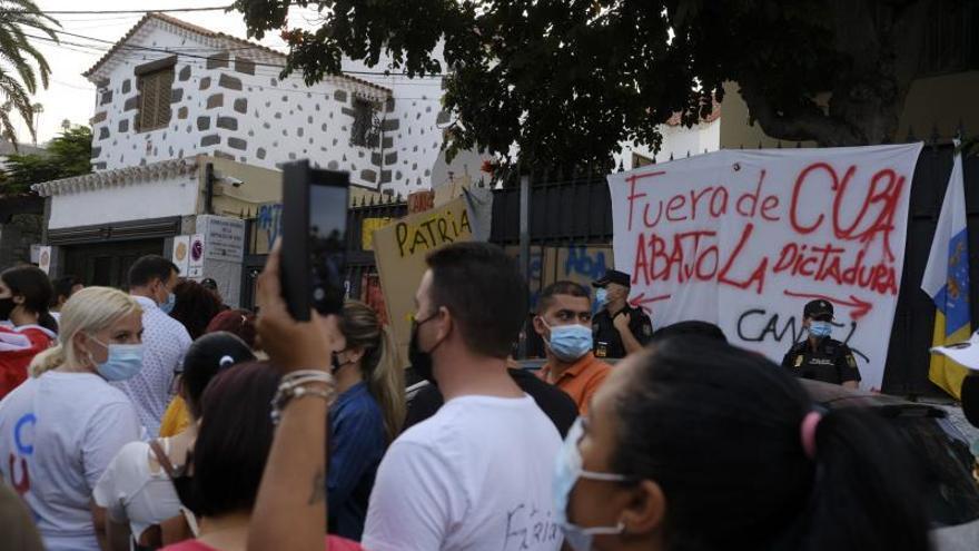 Protestas ante el consulado de Cuba en Las Palmas de Gran Canaria