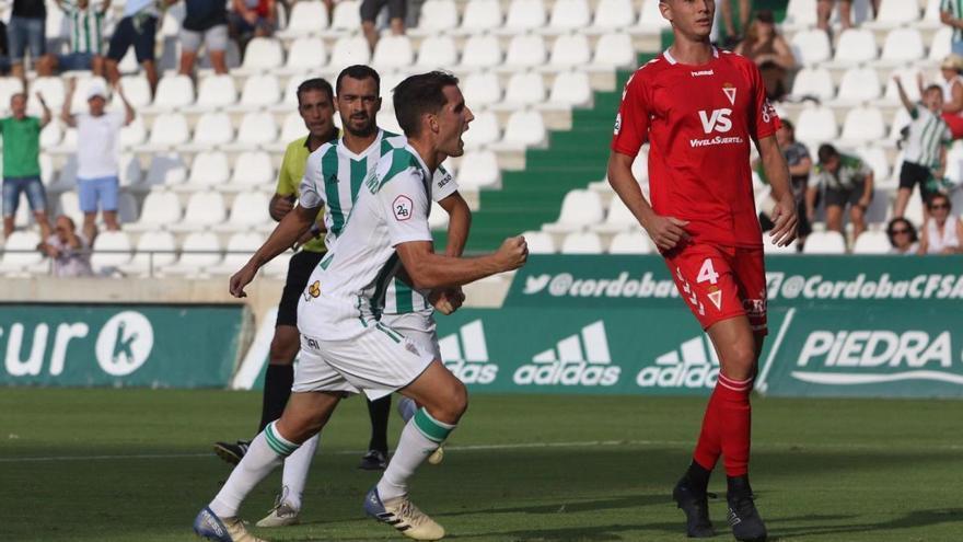El Córdoba CF vence con un gol de penalti de Ortuño (1-0)