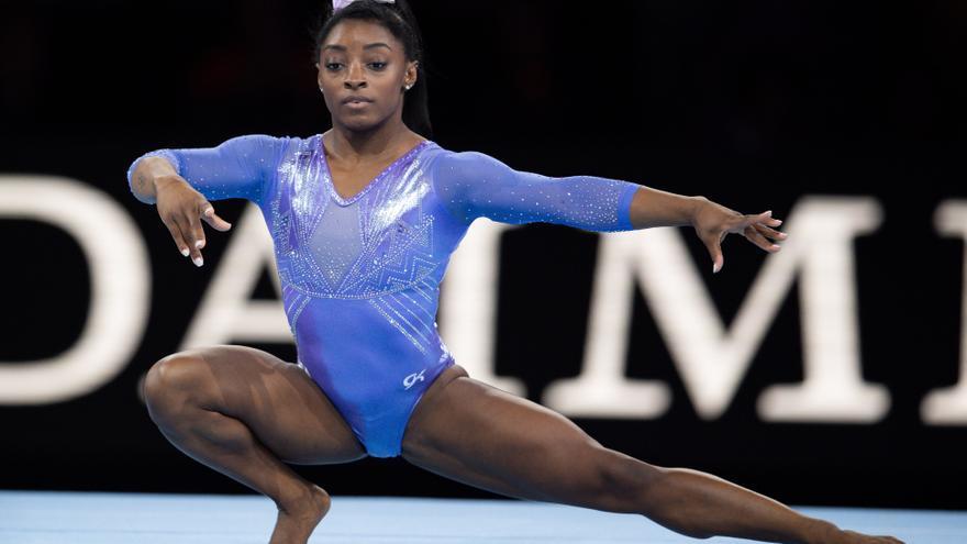 Rusia supera a EEUU en gimnasia con el mundo pendiente de Biles
