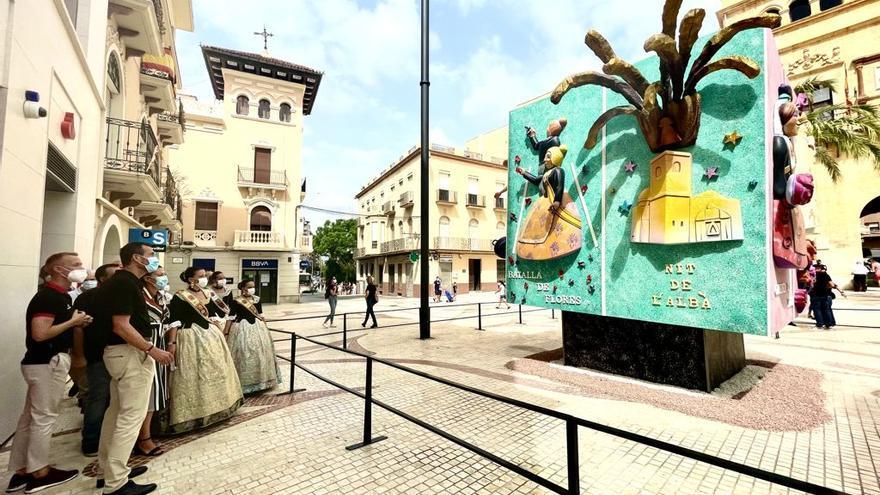 Elche inaugura un monumento que representa los actos más simbólicos de las fiestas