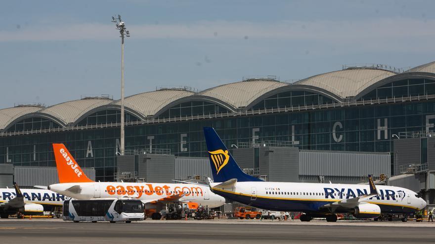 Easyjet despide a nueve trabajadores de su base en el aeropuerto de Alicante-Elche
