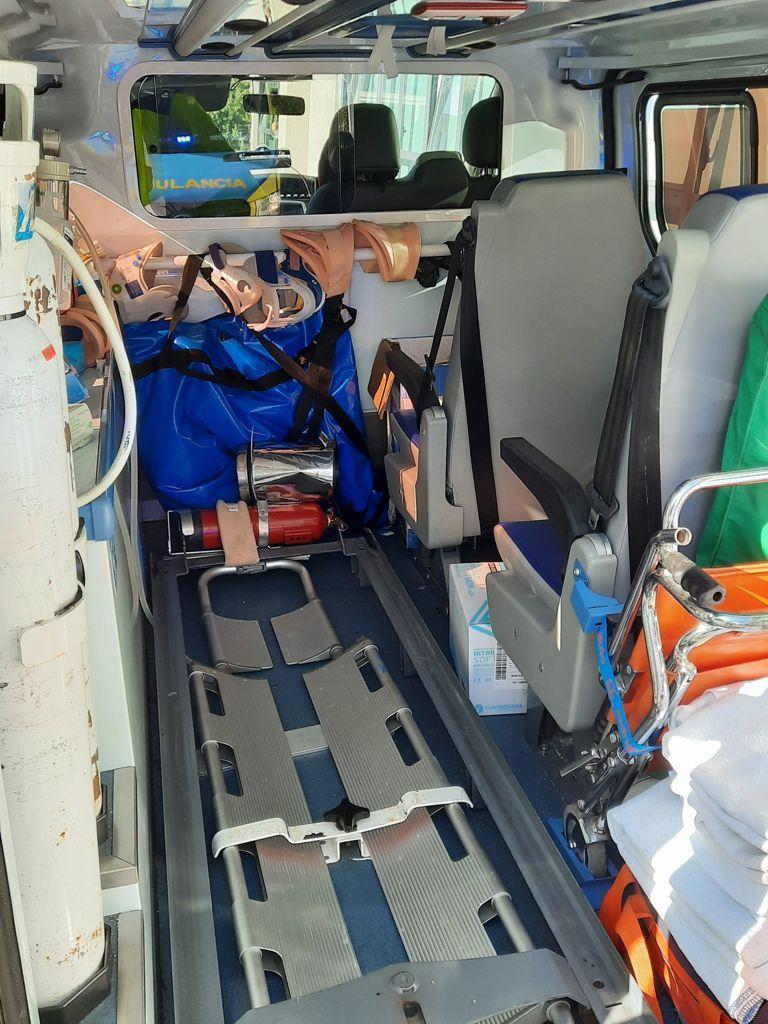 Una de las ambulancias que los sindicatos aseguran que funciona en precario.