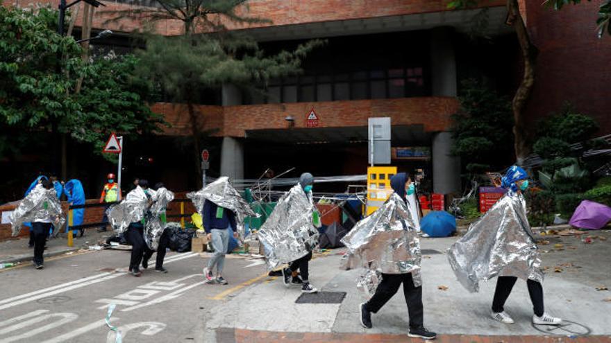 La tensión decrece en la universidad de Hong Kong