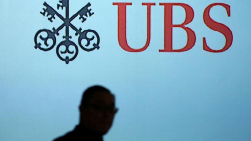 Multa a UBS de 4.500 millones por ayudar a evadir impuestos