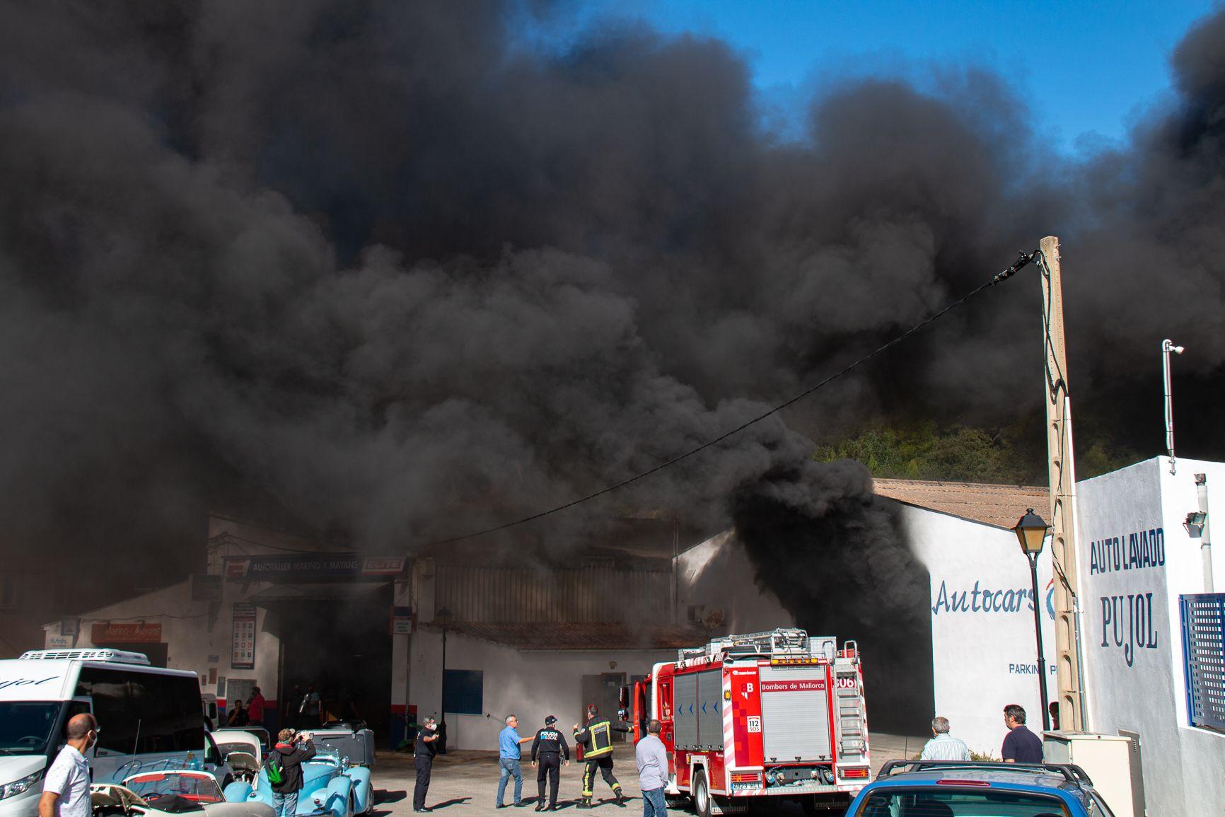 21 trabajadores intoxicados en el incendio en un hangar de autobuses de Andratx