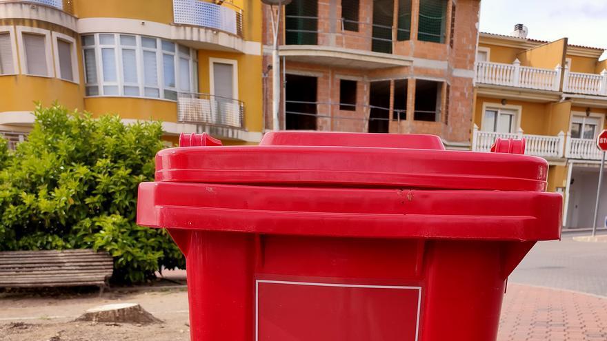 El Ayuntamiento de Bullas instala contenedores para depositar las mascarillas