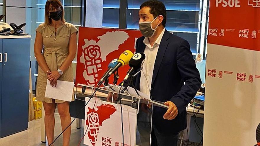 El PSOE redobla la presión contra el PP por el retraso de las ayudas en el ecuador del mandato