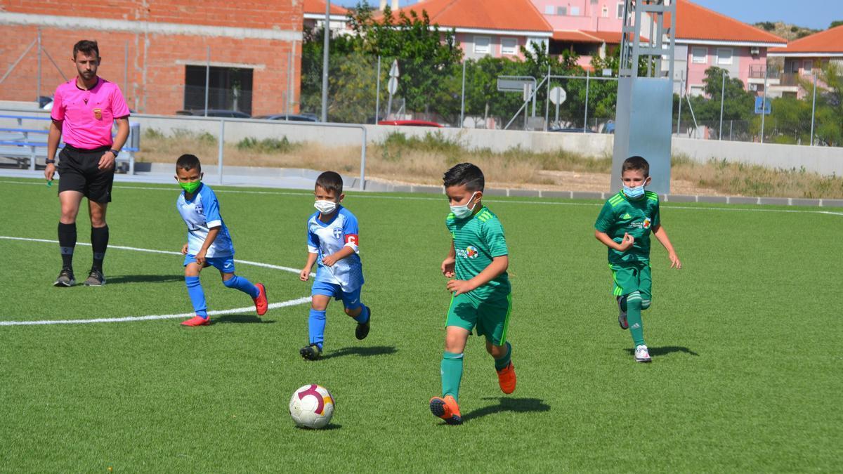 Imagen de la final de la Copa FFRM de la categoría debutantes entre el Plus Ultra y la Escuela de AFE.