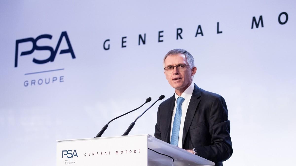 Europa estudia adelantar la fusión de FCA y PSA