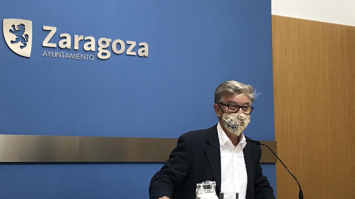 El portavoz del grupo municipal de ZeC en el Ayuntamiento de Zaragoza, Pedro Santisteve