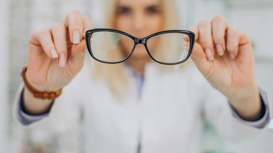 Els casos de fatiga ocular i miopia augmenten un 20% durant el 2020 a Girona