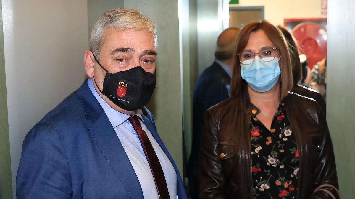 Francisco Álvarez e Isabel Franco, ayer en la Asamblea.