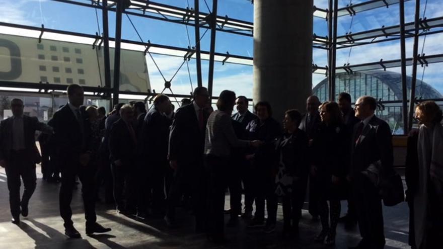 Puig anuncia una plataforma de apoyo al azulejo en la inauguración de Cevisama