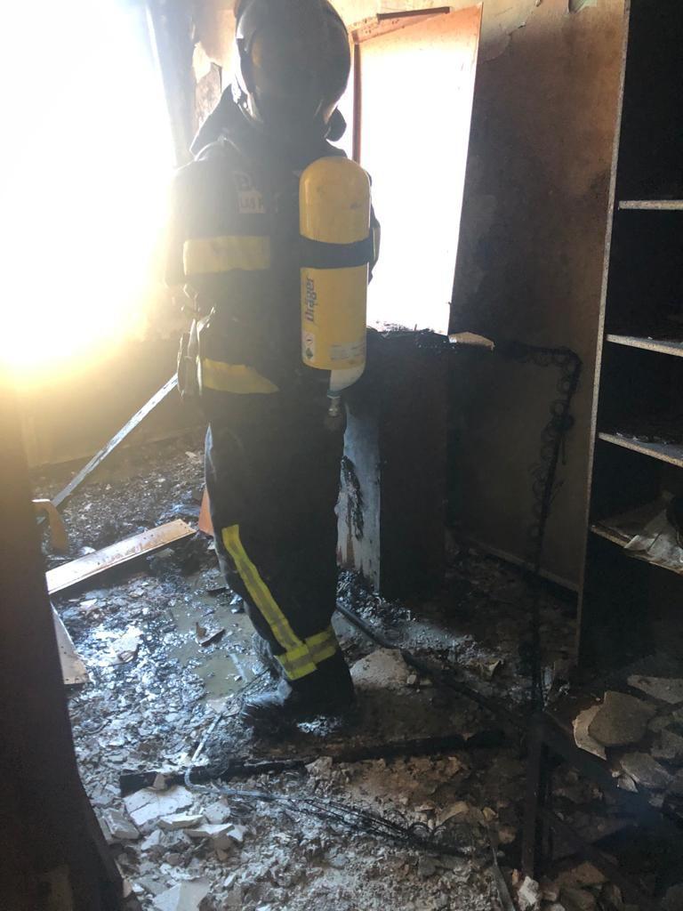 Incendio en una vivienda de la calle 22 de Mayo, en La Isleta (13/04/2021)