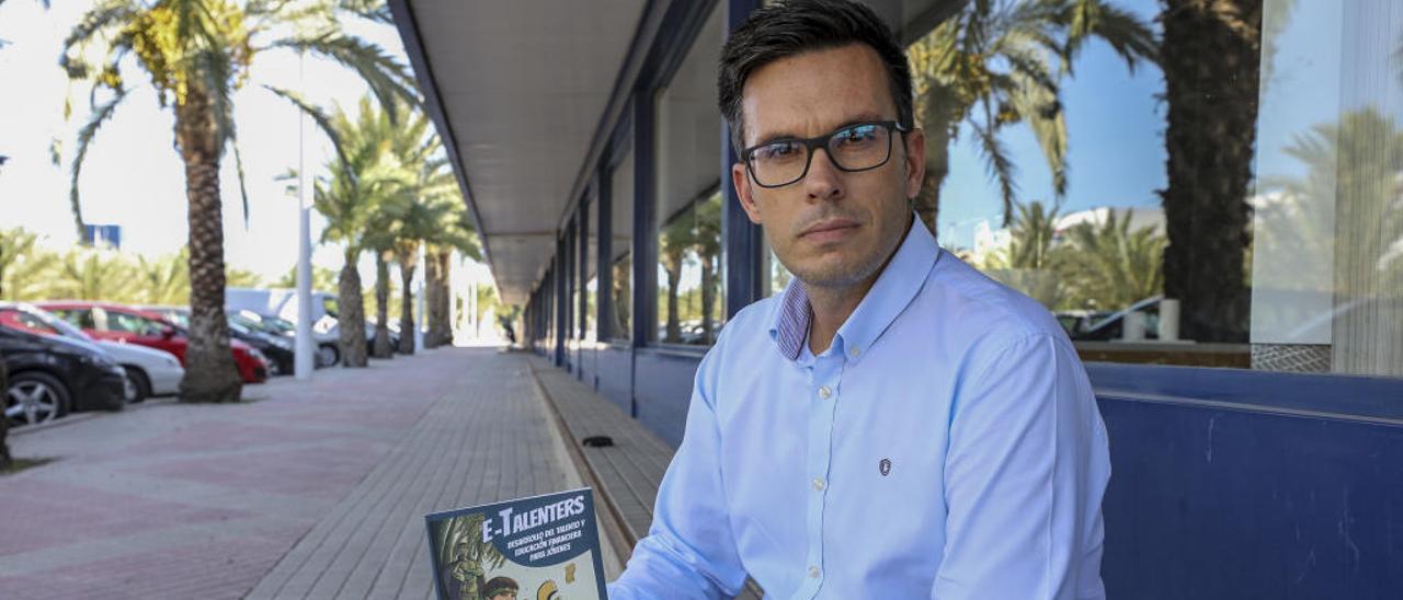Alejandro Gris: «Sé más de 25 formas para que los jóvenes ganen dinero en internet»