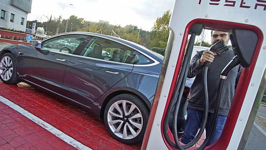 Tesla, l'única marca que augmenta vendes durant el febrer a Girona