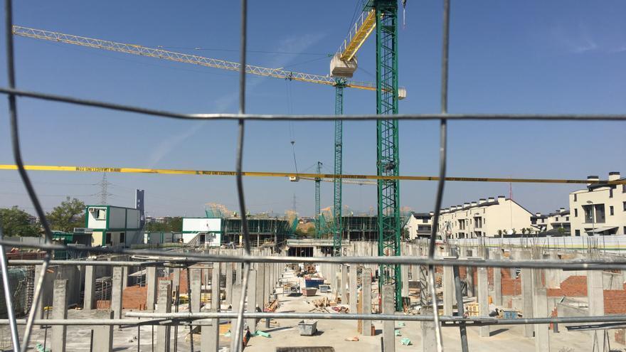 Cort achaca al colapso del departamento de Urbanismo el estancamiento de la concesión de licencias