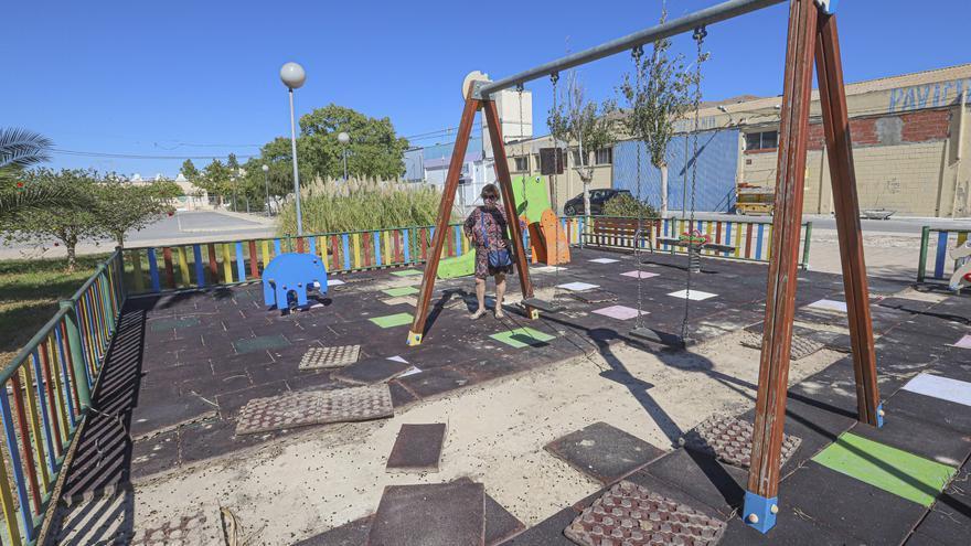 Ayuntamiento y Consell se enfrentan por la «custodia» de un parque infantil en Orihuela