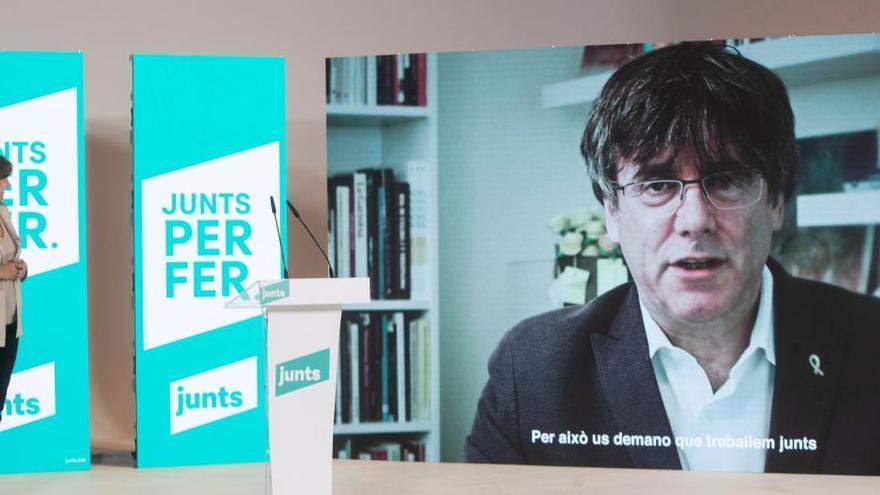 """Puigdemont llama a votar ante un Estado que quiere provocar """"miedo"""" a los catalanes"""