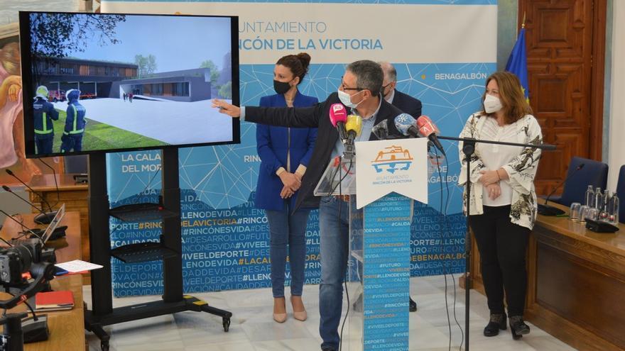 La  Diputación de Málaga invertirá 2,5 millones de euros en la construcción del nuevo parque de bomberos de la Axarquía