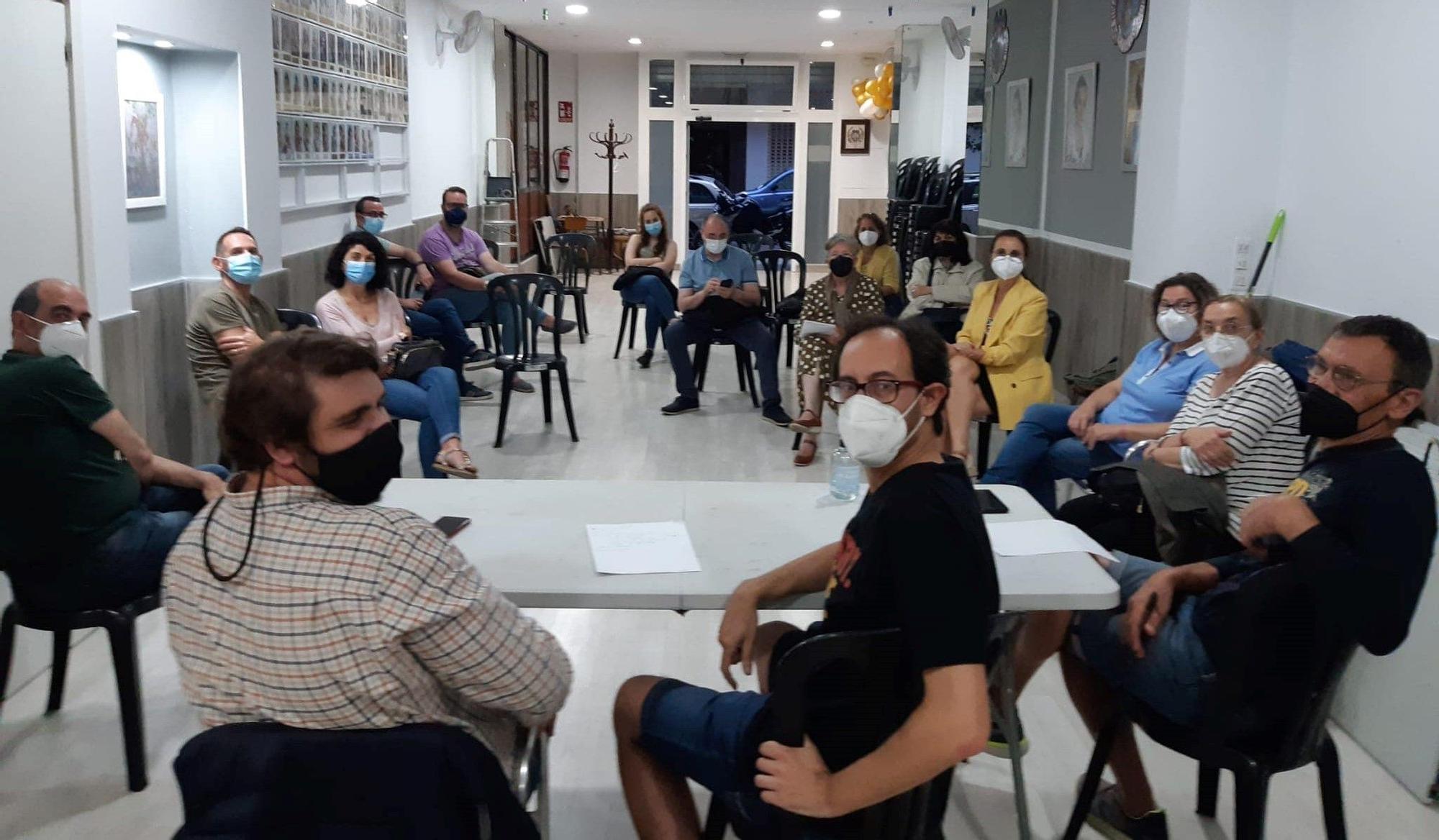 Primera junta presencial en Peris y Valero-Cuba.jpg