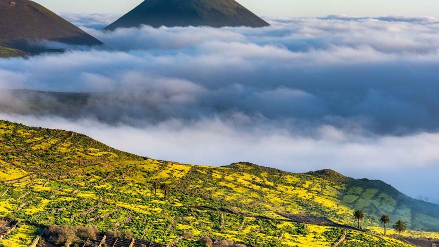 Espectacular mar de nubes en Lanzarote