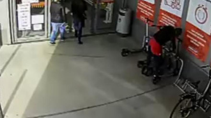 Dos detenidos por robar cinco patinetes en una empresa de Palma