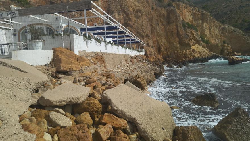 El alcalde de Xàbia pedirá al conseller de Obras Públicas la regeneración de la playa del Tangó