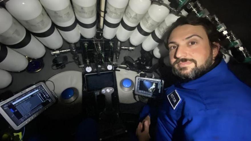 Un gallego baja al tercer punto más profundo del mundo