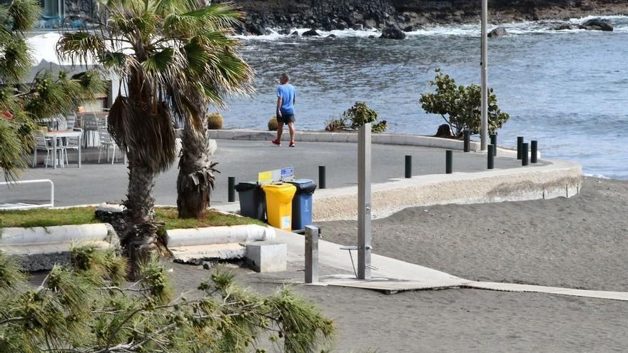 Telde arregla los accesos a las playas veinte meses después de la gota fría