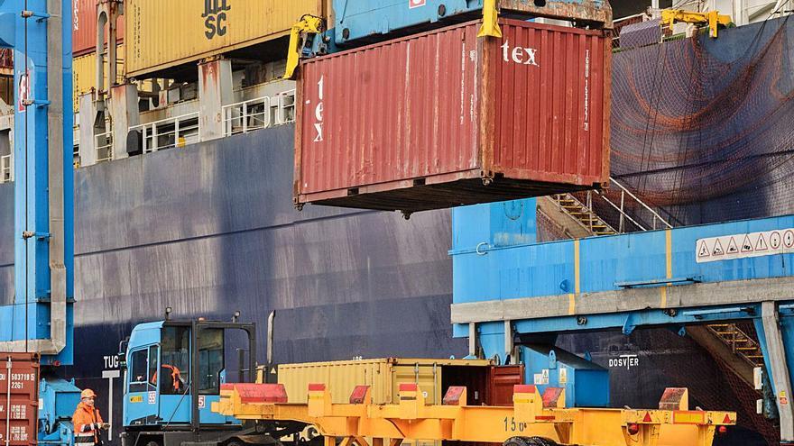 Competencia cuestiona otra vez la ayuda al transporte de mercancías