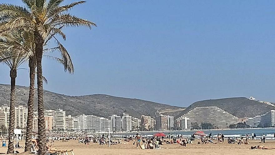 Cullera amplía el horario  de los socorristas de la playa
