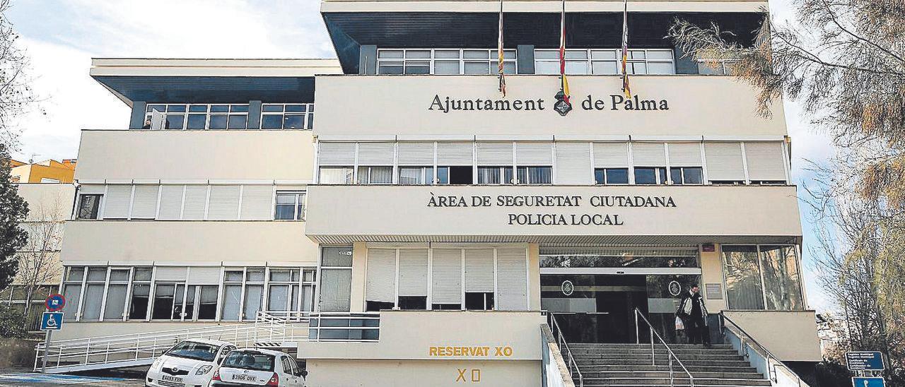 Exterior del cuartel de Sant Ferran, sede de la Policía Local de Palma.