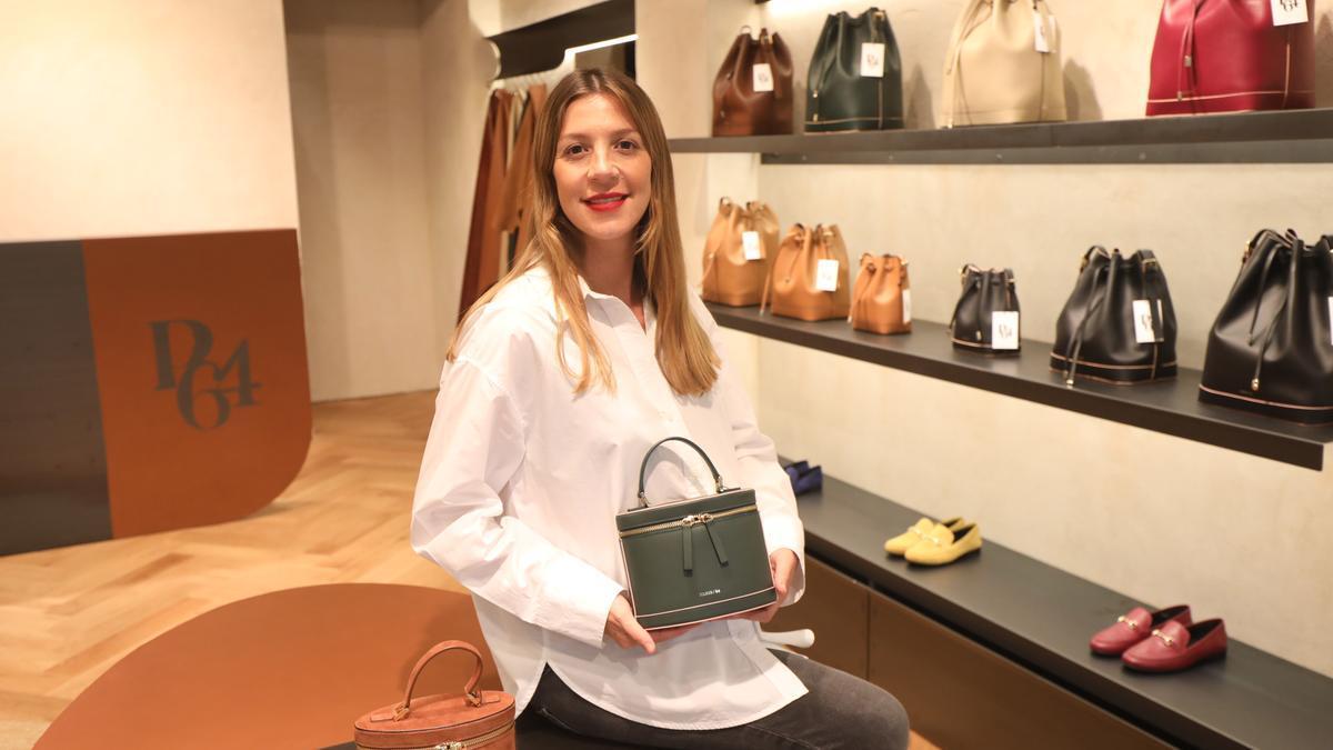 María Alfonso en el interior de la tienda que acaba de abrir en el paseo Constitución de Zaragoza.