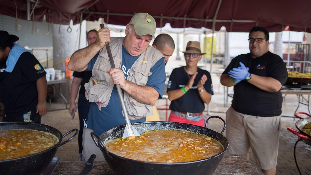 José Andrés, cocinando en Puerto Rico.