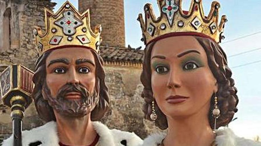 Sallent s'endinsa en la festa major  del 40è aniversari dels gegants Reis