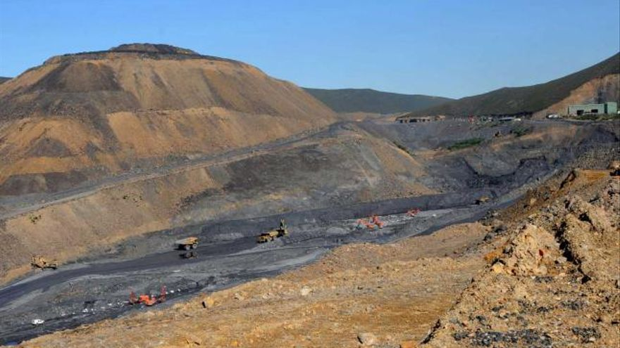 Los sindicatos reclaman contratar ya a 280 despedidos para restaurar las minas