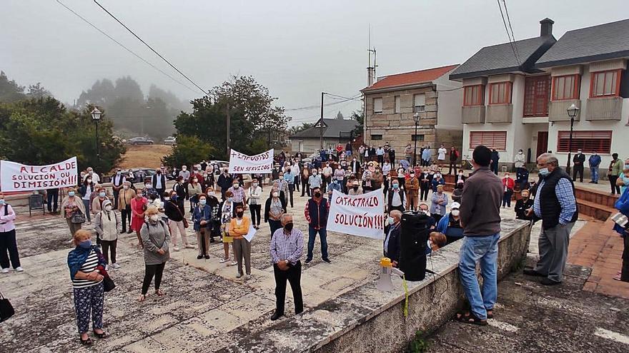 Trescientos vecinos de Avión protestan por la subida catastral y de tributos a fincas rústicas