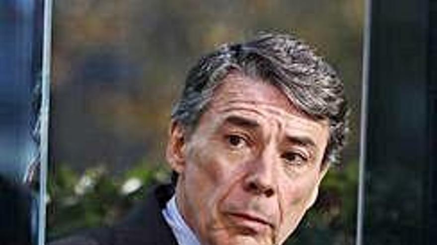 El juez procesa a Ignacio González por supuesto fraude y malversación