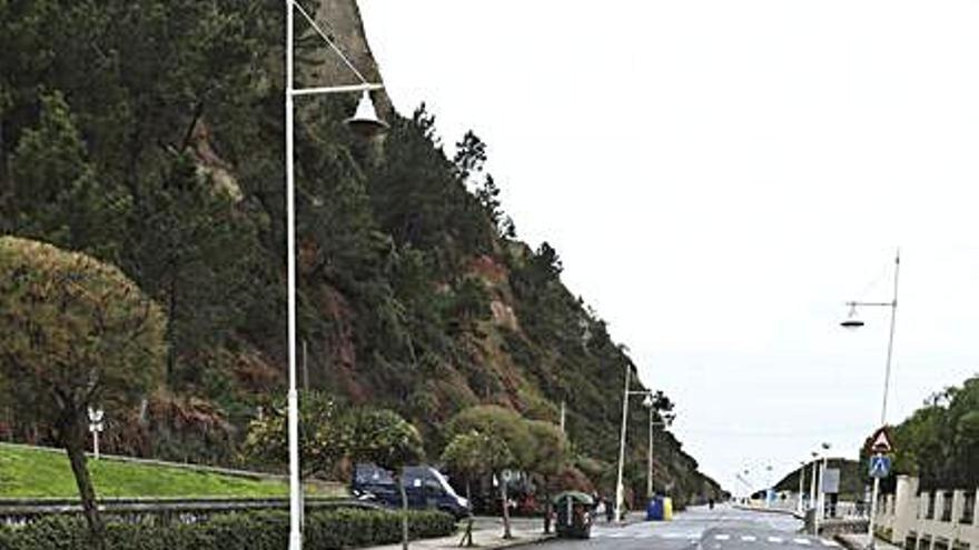 El cierre del túnel de Arnao obliga a cambiar la ruta del bus