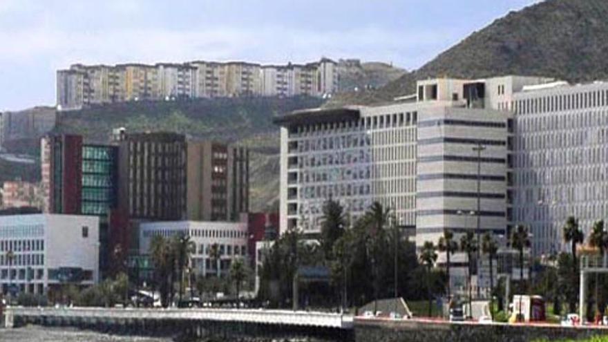 Muere en Las Palmas una mujer con Covid tras nacer su hijo por cesárea
