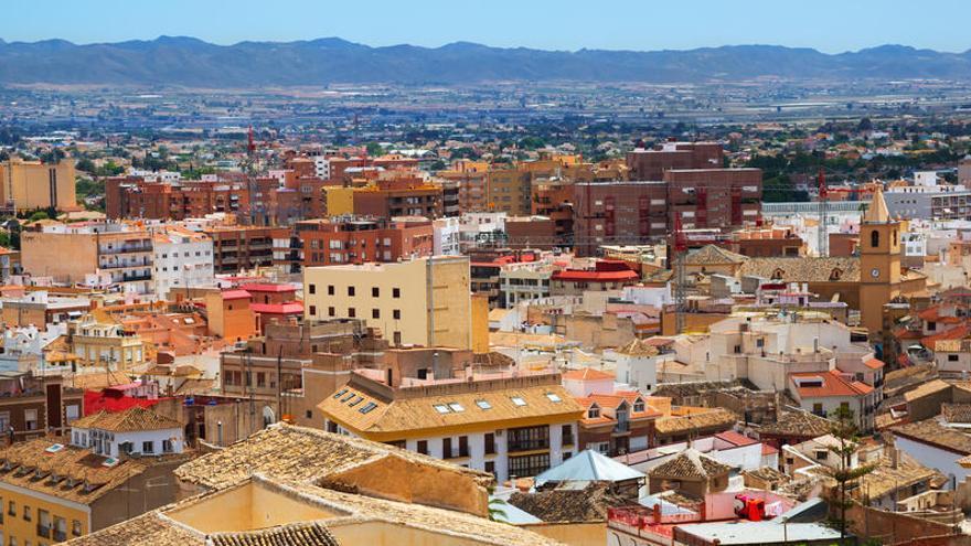 Cuatro meses de cárcel a una mujer por abandonar a su bebé en un cajero de Lorca
