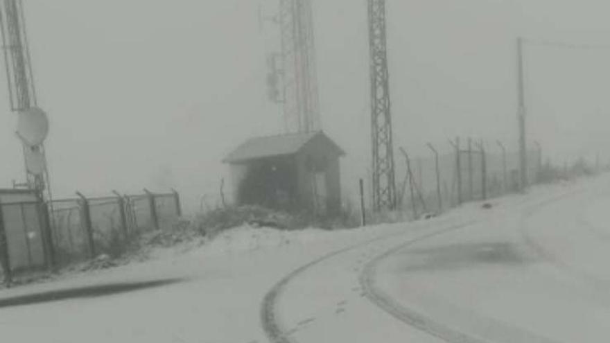 Las temperaturas se desploman y Asturias se tiñe de blanco