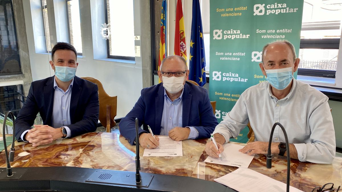 Firma del acuerdo de Massanassa con Caixa Popular