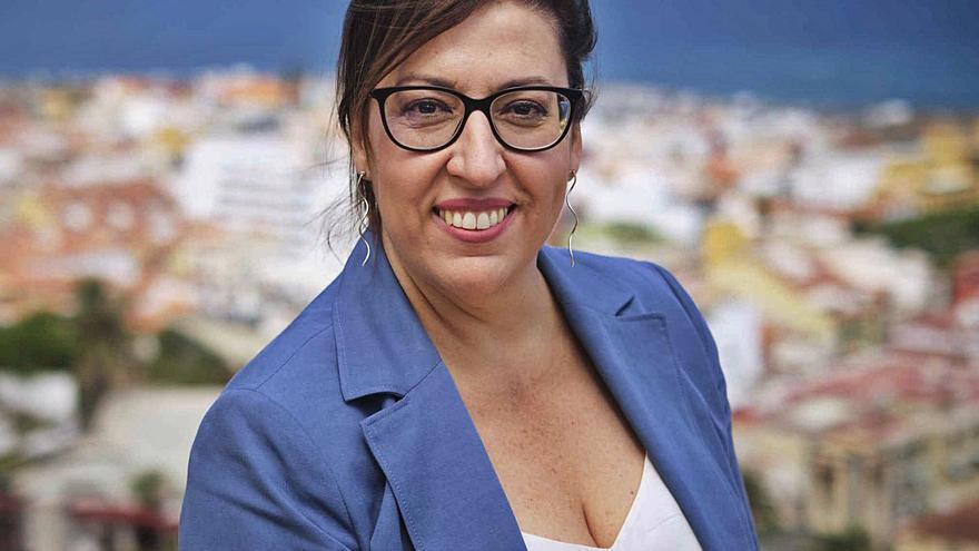 Sandra Rodríguez: «Lo que más sufrimos en el Puerto de la Cruz es la falta de capacidad de este gobierno»