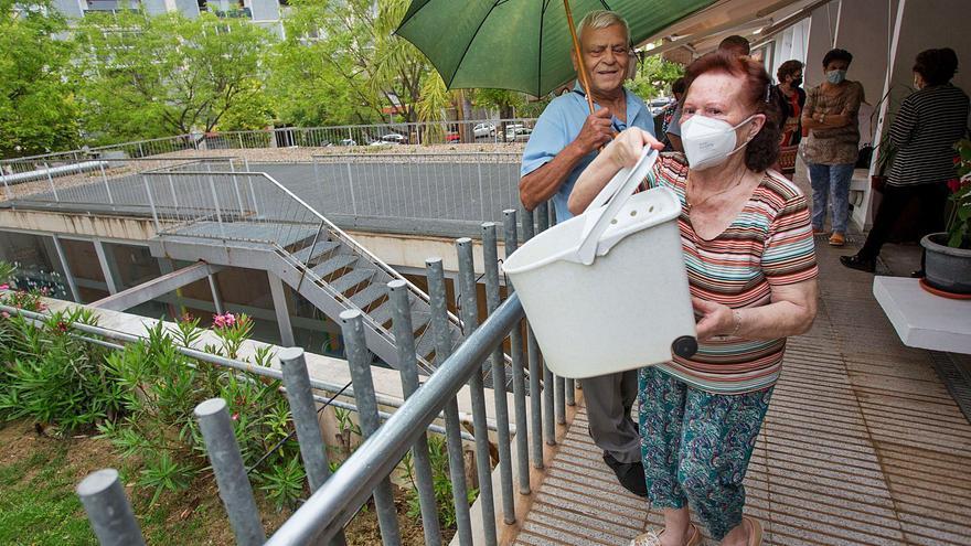 Los residentes en las 39 casas tuteladas de San Vicente claman contra el vandalismo
