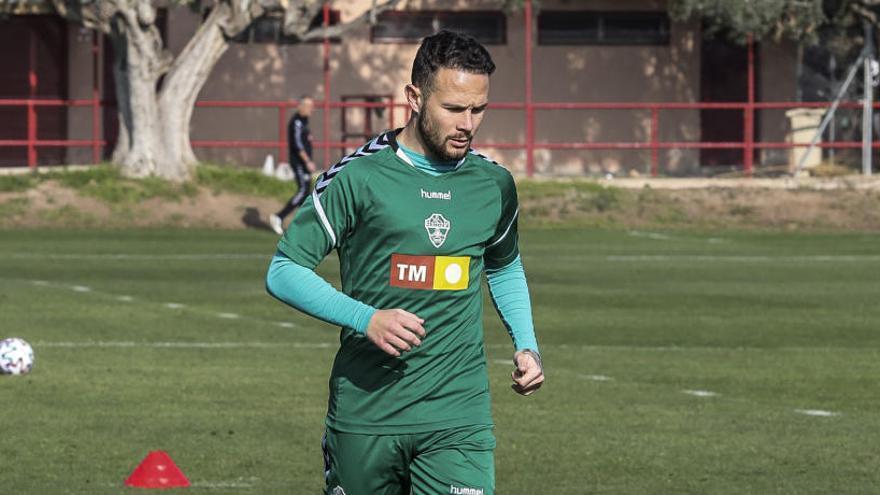 Iván Sánchez es baja para Gijón y viaja Mourad